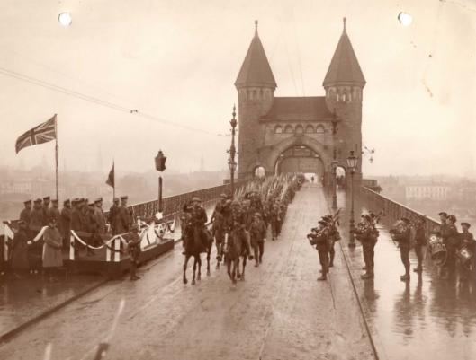 Crossing the Rhine 1918