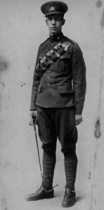 LE James 1915