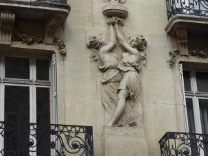Haussmannian-scultures