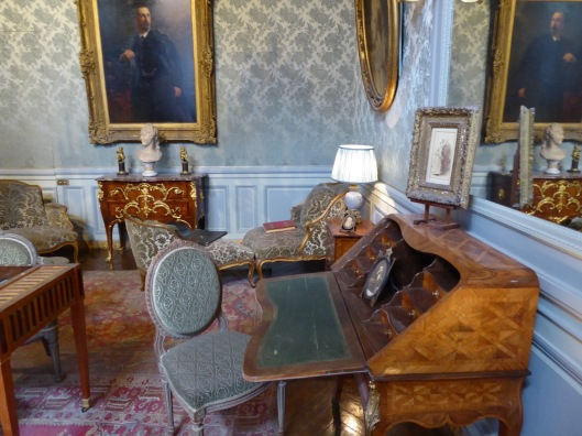 Marilee's mother's writing desk