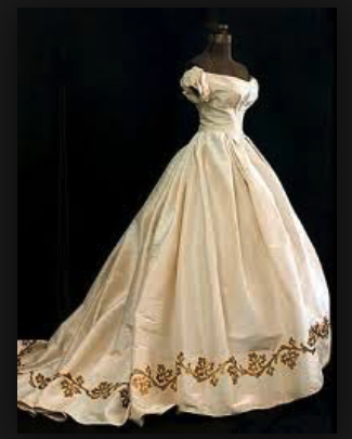 gown Mariele wore when she first met Bertrand